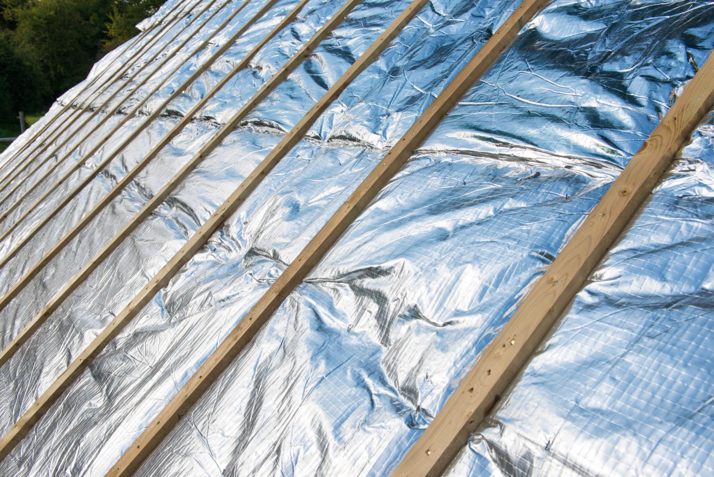 Isolation de toit par l'extérieur