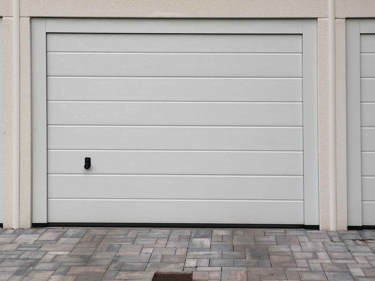 Isolation des portes de garage for Porte de garage moss