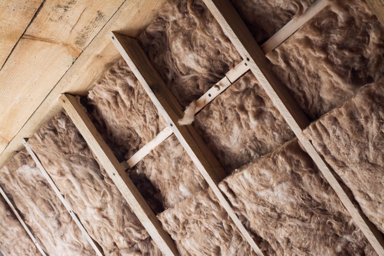 Epaisseur de laine de verre pour l'isolation de combles