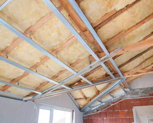 Techniques d'isolation de plafond par l'intérieur